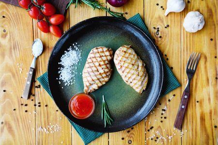 Куриная грудка с соусом Сладкий Чили