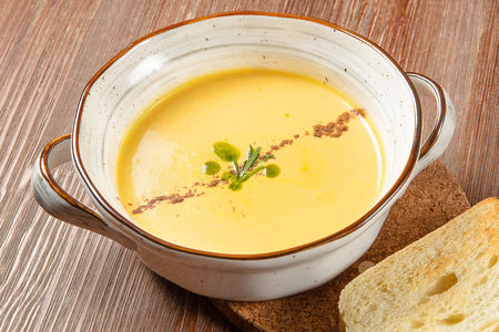Суп-крем Пряный из тыквы с медом и корицей