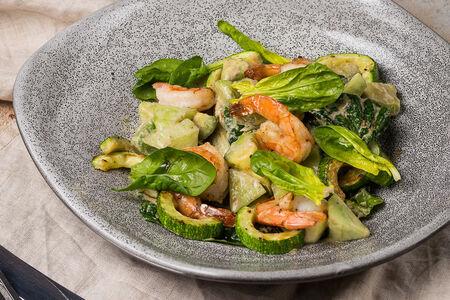 Салат с креветками и кабачком