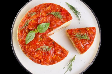 Омлет с пепперони и соусом из томатной сальсы