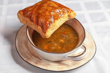 Суп с томленой говядиной