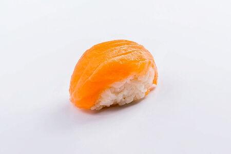 Суши Саке нигири