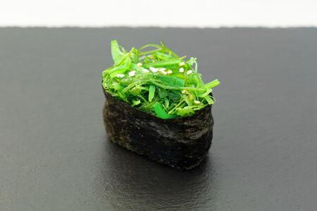 Суши Чука гункан