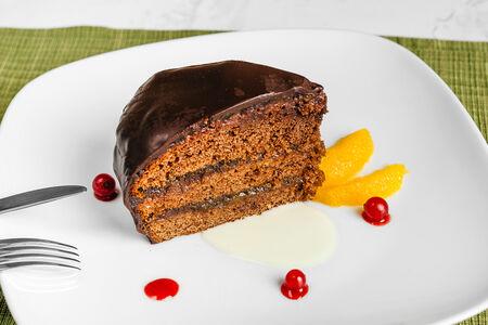 Торт Захер в шоколадной глазури