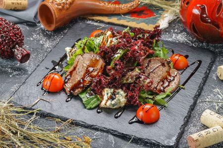 Фирменный салат из телятины