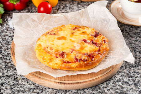 Пицца Домашняя с сервелатом