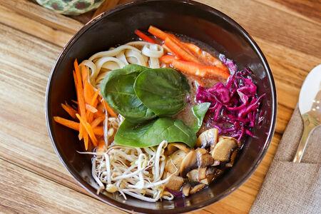 Суп Рамен с тофу и овощами