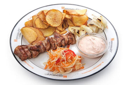 Слайсы из свинины с луком