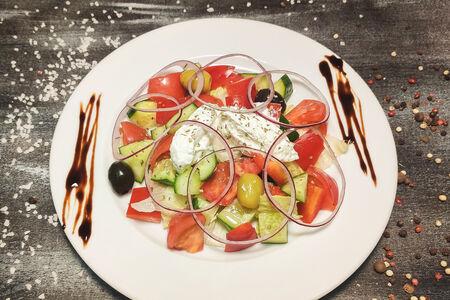 Салат Овощной в греческом стиле