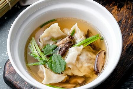 Суп с вонтонами и шиитаке