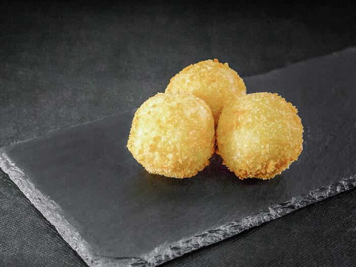 Рисовые шарики с рыбной начинкой