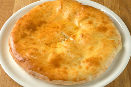 Осетинский пирог с картофелем и сыром
