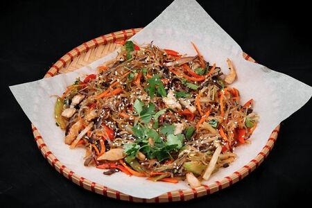 Салат с фунчозой по-корейски