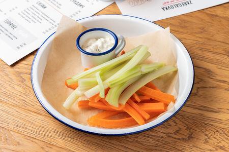 Морковные и сельдереевые палочки