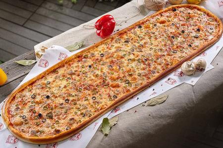 Метровая пицца Брутальная