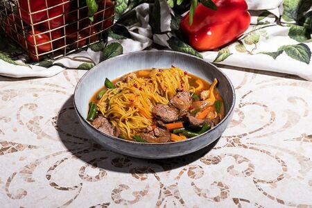 Спагетти с соте из говядины