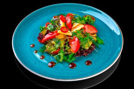 Салат с баклажанами и сыром сулугуни