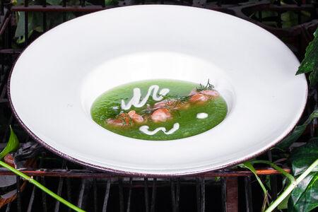 Огуречный Гаспачо со слабосоленым лососем