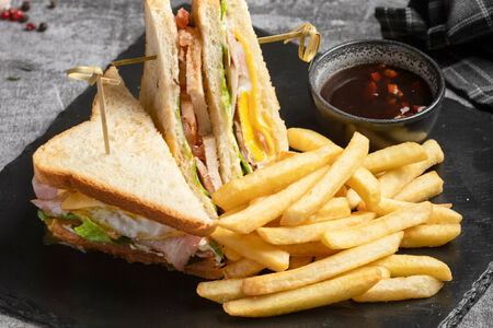 Трёхъярусный клаб сэндвич