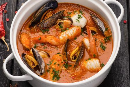 Средиземноморский суп с морепродуктами