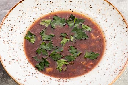 Суп из черной фасоли с копченостями