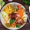 Фото к позиции меню Шах-гриль стейк из индейки на тарелке