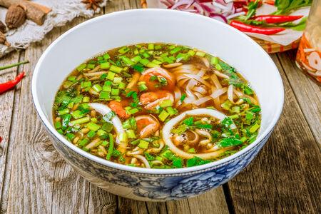 Суп Фо Зау с креветками и кальмарами