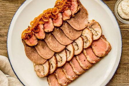 Мясное ассорти с горчицей и хреном