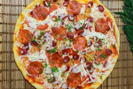 Пицца Домашняя с охотничьими колбасками
