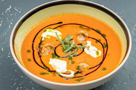Суп томатный с креветкой
