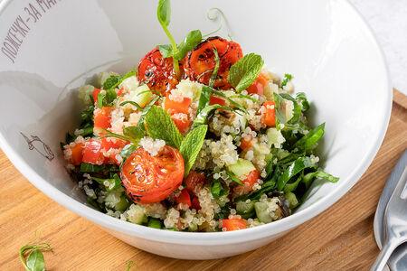 Салат из печеных овощей и киноа