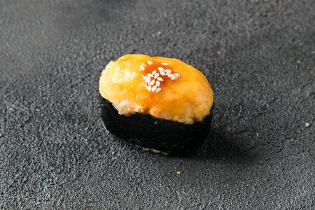 Суши Креветка запеченная