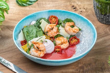 Салат из шпината с рикоттой и креветкой
