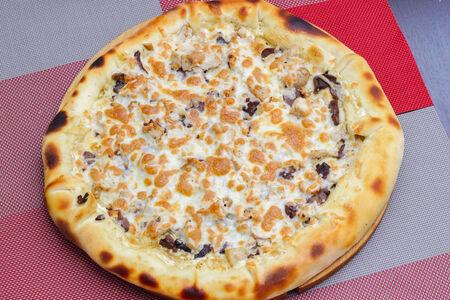 Пицца Марсельезе с сырным бортом