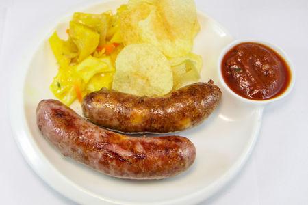 Колбаски из свинины, говядины и сыра