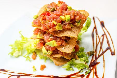 Салат тартар из тунца