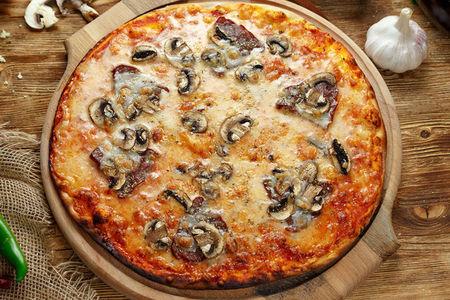 Пицца Прошуто с грибами