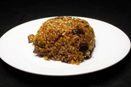 Рис, жаренный с баклажанами