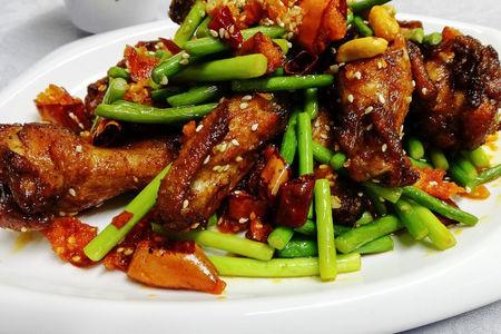 Крылышки по-пекински с острым перцем