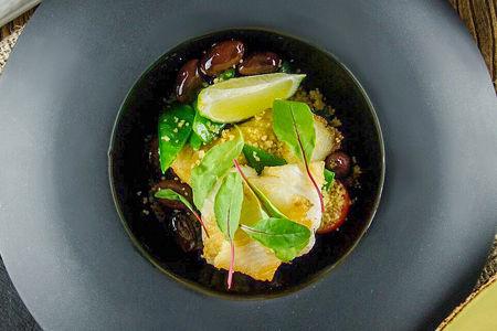 Филе палтуса с кускусом и овощами