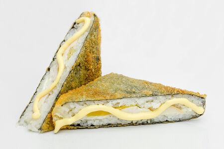 Ролл Жареный сэндвич с курочкой и ананасом