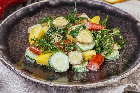 Картофельный салат с колбасками