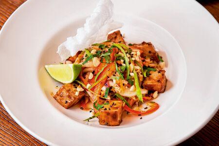Салат Китайский с курицей терияки