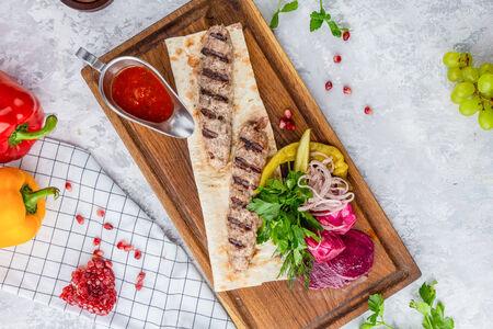 Люля-кебаб из рубленой говядины и свинины