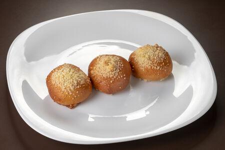 Мини-пирожок с малиной