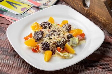 Теплый салат с печенью и апельсинами