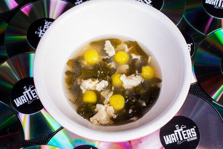 Суп Щавелевый с картофелем конфи и муссом из сметаны