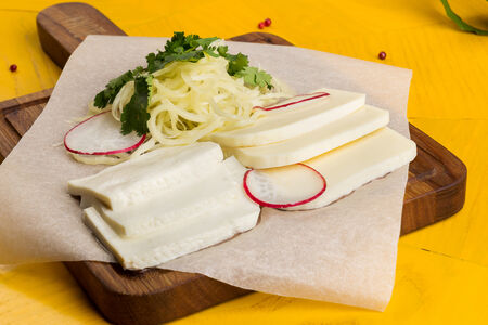 Грузинская сырная тарелка