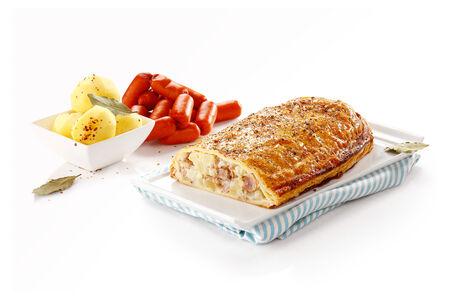 Штрудель с картофелем и немецкими колбасками