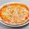 Фото к позиции меню Пицца Четыре сыра с красным соусом